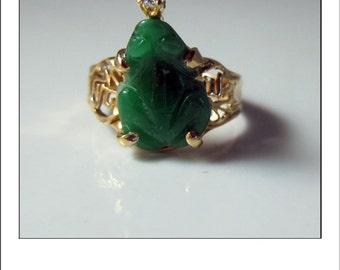Vintage 18k Carved Jadeite Frog Diamond Ring - intense green color