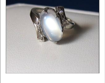 Vintage 14k gorgeous Moonstone Diamond Ring