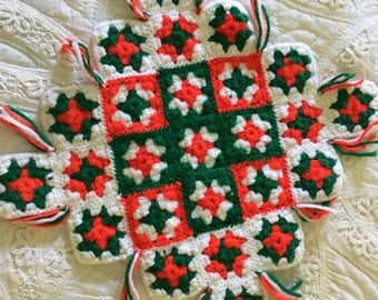 Vintage Red and Green Crochet Granny Square Doily, Table Square, Granny Chic Table Square, Table Topper, Christmas Decor