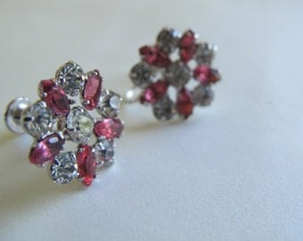 Vintage pink flower rhinestone earrings / Avon screw back earrings / pink rhinestone earrings