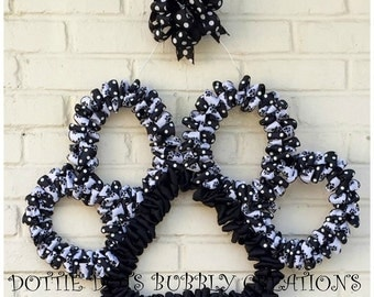 Pet Paw Wire Wreath Form