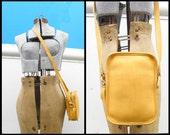COACH Vintage USA Leather YELLOW Small Handbag M5C-9973