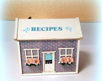 """FALL SALE Recipe Music Box - Plays """"MY Favorite Things"""" - Charming Little House with Flower Boxes  - Shabby Chic Recipe Box"""