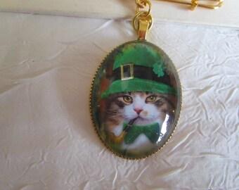 """Broche en métal doré """"Un joli petit chat irlandais"""""""
