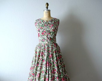 50% SALE . Vintage 1950s rose print dress . large 50s dress