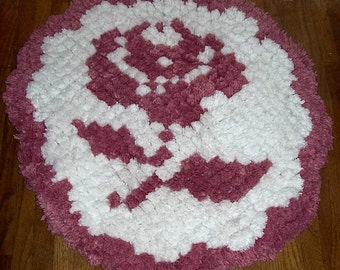 Vintage White Round Tufted Chenille Rug w/ Pink Rose Handcrafted Only 35 USD