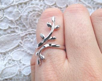 Elegant 925 silver leaf ring