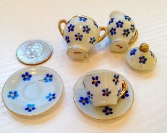 Cute Vintage Bits of Ceramic Doll Tea Set
