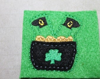 Leprechaun in pot feltie, St. Patricks Day felt stitchie, Green, black & gold, 4 pcs for planners, hair accessories, scrapbooking, or crafts
