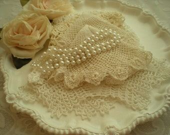 Vintage Shabby Chic Doilies Set Of 5 Home Decor Display Crafts From SincerelyRaven On Etsy