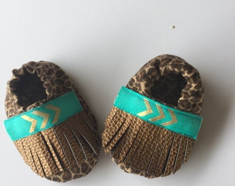 Baby girl fringe moccasins