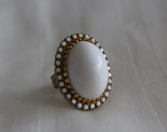 Vintage Ring with White Cabochon and Rhinestones