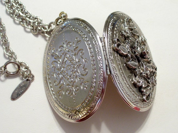 Whiting Davis Locket, Silver Floral Locket, Vintage WHITING DAVIS Art Deco Art Nouveau Silvertone Huge Oval Photo Locket Necklace