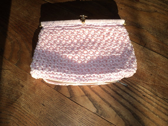Vintage Pink Crochet  Raffia Palm Sized Clutch  Hand Bag with lucite like pink plastic beads sewn into design in Very Good Condition