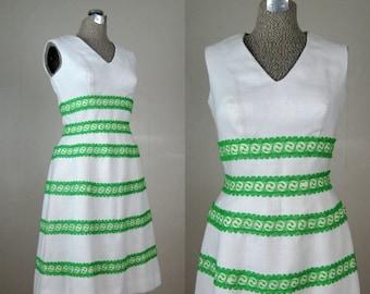 25% Off Summer Sale.... Vintage 1960s Dress 60s White Linen and Lace Party Dress by Miss Elliette Size 6M