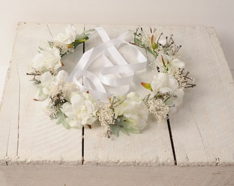 White Wedding Flower Crown Bridal Headband Rustic Hair Piece Floral Headpiece Silk Woodland Head Wreath Halo Sage Green Leaves Babys Breath