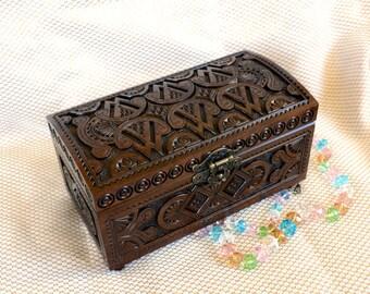 lock jewelry box Ring box Wooden box Wedding ring jewellery box Jewelry boxes Wood carving Wood boxes Trinket box Rustic box Keepsake box Q2