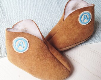 Baby Slippers - sheepskin baby booties - personalized baby gift - sheepskin slippers - gift for baby boy - gift for baby girl