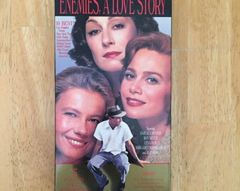 Enemies, A Love Story Angelica Huston 1990 VHS