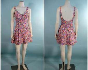 Vintage Neon Floral Sleeveless Low Back Sun Dress, Flare Skirt Spring Summer Mini Dress, Music Festival Hipster Grunge Kawaii Mini S