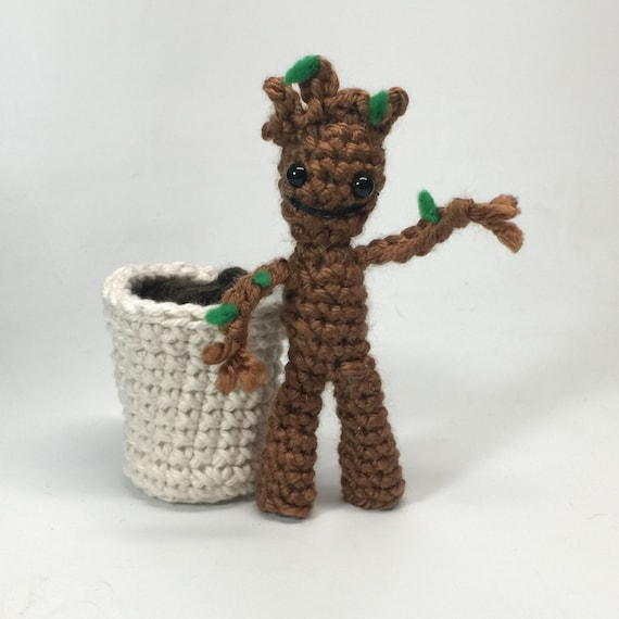 Rocket Raccoon and Free Baby Groot Crochet doll Amigurumi ...