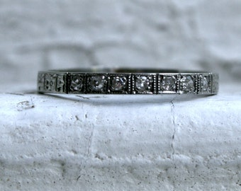 Pretty Vintage Etched 18K White Gold Pave Diamond Wedding Band.