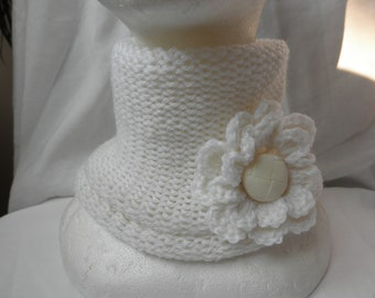 White  neck warmer,without seam,blend wool,with brooch,accessories,