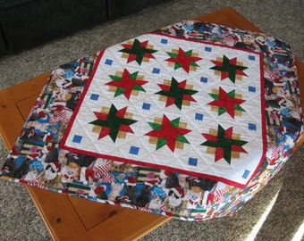 Quilted Holiday Table Topper - Christmas Cats with Presents