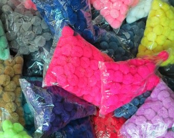 1,000-Yarn Pom Poms <  Pick Your own Colours >  10 packets of 100, Handmade pom poms from Thailand