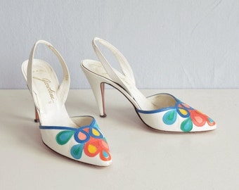 Vintage 70s Shoes / 1970s White Multi Color Applique Sling Back Stiletto Pumps / High Heel Shoes Made in Italy Size 6