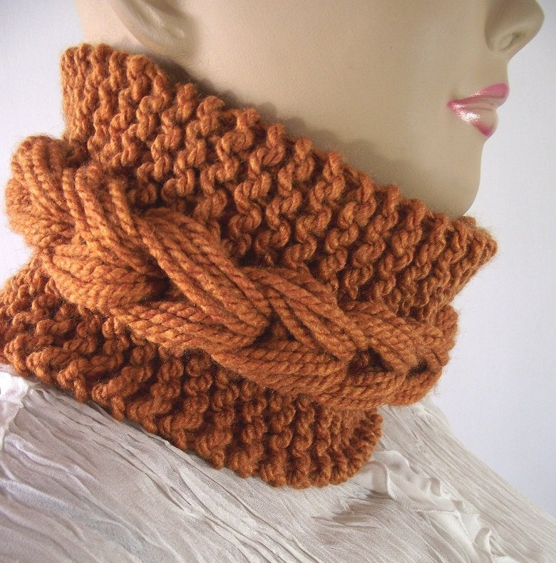 Knitted Cowl Pattern Using Bulky Yarn : KNITTING COWL PATTERN Braided Bulky knit scarf Cowl with