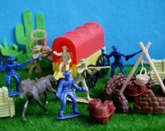 Vintage COWBOYS Play Set, Plastic Cowboy Figures, Plastic Covered Wagon, Chuckwagon Toy.