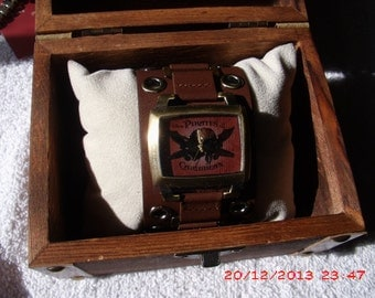 Pirates of the carribean comes in a great treasure chest! Any one can wear this.