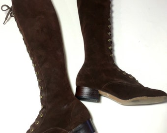 60s 70s mod lace up go go boots / brown suede leather knee high boots / aprox 5.5-6