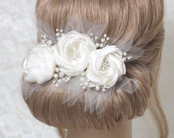Bridal headpiece, off white hair piece, wedding hair clip