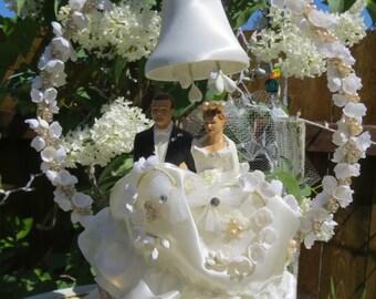 Vintage wedding cake topper,1950s wedding cake topper,wedding decoration,wedding,bride and groom wedding cake topper,traditional cake topper