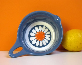 Figgjo Daisy saucepan or bowl, Turi Gramstad Oliver, 1960s, made in Norway