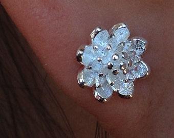 SUPER DEAL SALE 10mm White Silver Flower Stud Earrings,Sterling Silver Plated Post Earrings,Bridesmaid Wedding Earrings,Floral Earrings,Gift