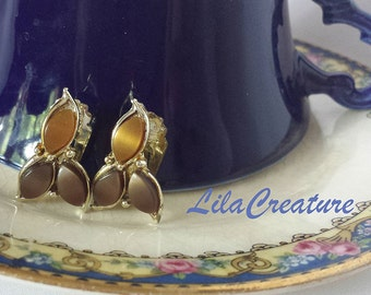 Vintage Brown Thermoset Clip On Earrings