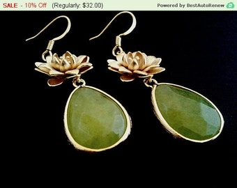 Flower with Apple Green Sythetic Stone Earrings,Drop, Dangle, Earrings,bridesmaid gifts,Wedding jewelry,christmas gift, cocktail jewelry