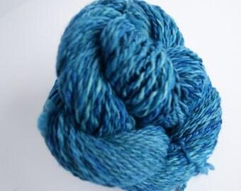 hand dyed, handspun yarn, merino in blue gree