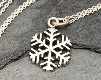 Snowflake Necklace - 925 Sterling Silver - Christmas Holiday Charm Jewelry New