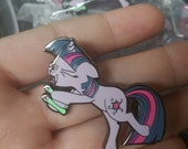 Blacklight Sparkle Pin