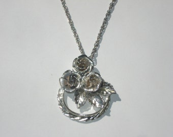 Vintage Necklace Silver Rose Wreath - Pendant on Chain - 1970s
