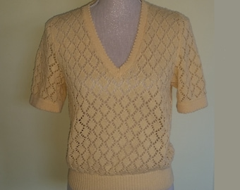 vintage peach  knitted 50s style top , size uk 10
