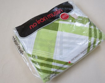 BRAND NEW in Package - Green Plaid - Twin or Single Fitted Vintage Sheet