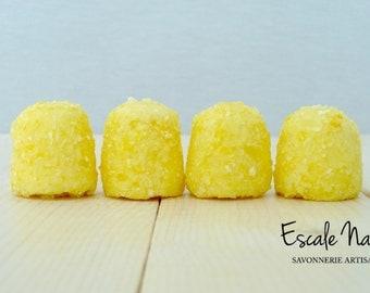 Pineapple-mango bath truffle, with shea butter and cacao butter, handmade, moisturizing.