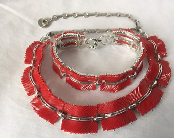 LISNER demi parure NECKLACE BRACELET vintage thermo set red on silver Jd2-151
