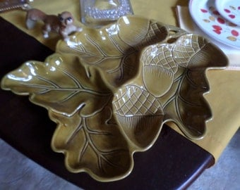 """Vintage Roscher Honey-Oak & Acorn Collection 16"""" x 11"""" Divided Serving/Relish Tray/Platter/Two 9 1/2"""" x 7 1/2"""" Snack Plates"""