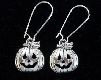 Cute Little Pumpkin Halloween Earrings